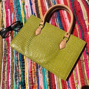 Handbags - Funky Green Fashion Bag